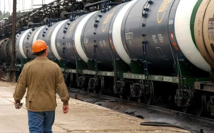 Лукашенко заявил о планах поставлять из России до 40% нефти