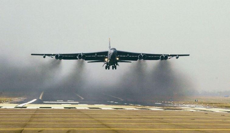 Третья мировая война? США направляют бомбардировщики В-52 к Ирану
