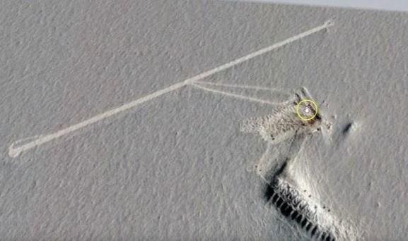 Google Earth показал странные объекты в Антарктиде
