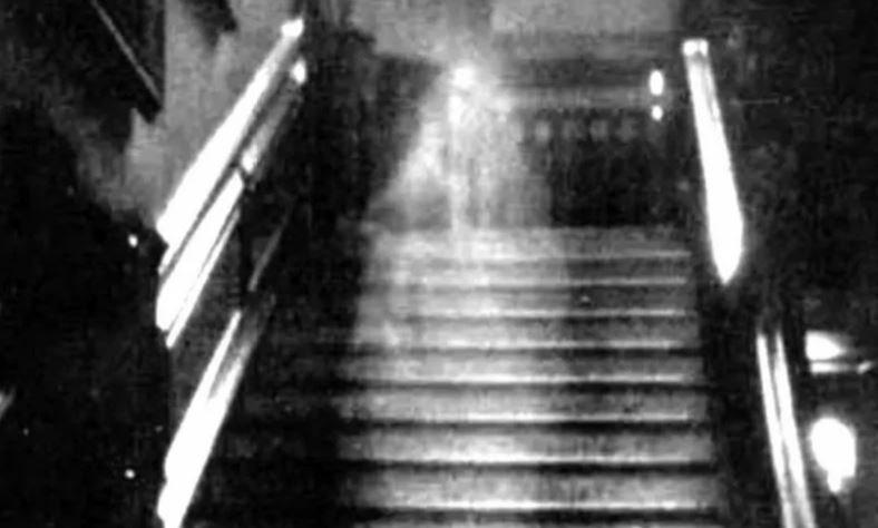 Реальные фотографии приведений и призраков