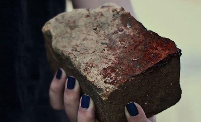 На польской границе женщина кинула камень в машину из-за очереди