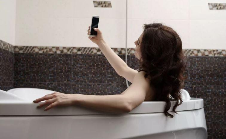 В Минской области погибла от удара током в ванной 11-летняя девочка
