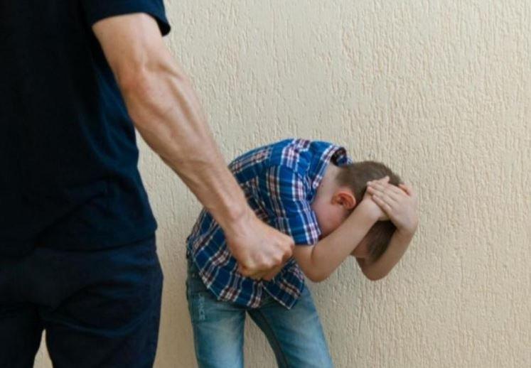 В Витебском районе маленьких детей избивали мать и её сожитель