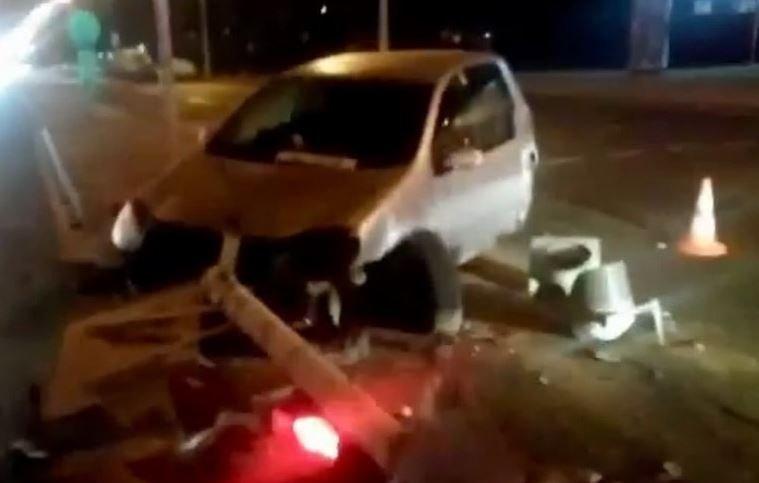 Пьяный водитель снес светофор в Минске