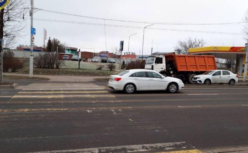 Автомобиль сбил 16-летнюю школьницу на переходе в Минске