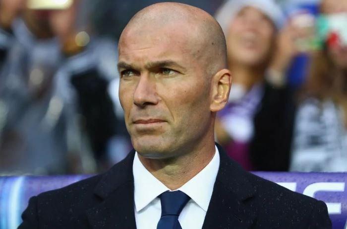 «Реал» объявил об уходе главного тренера Зинедина Зидана
