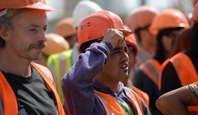 Растет количество иностранцев, которые едут в Беларусь работать