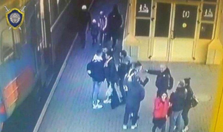 Курящие пассажиры избили милиционера в электричке