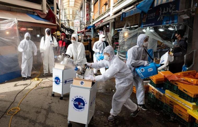 ВОЗ предупредила о новой вспышке COVID-19 в Европе после Нового года