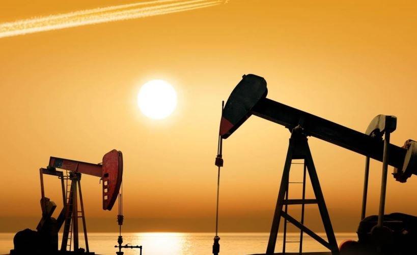 Страны ОПЕК+ договорились увеличить лимит добычи нефти