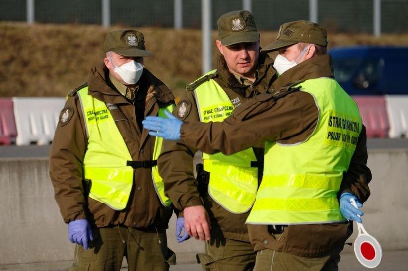 Польша вводит санитарный контроль на белорусской границе