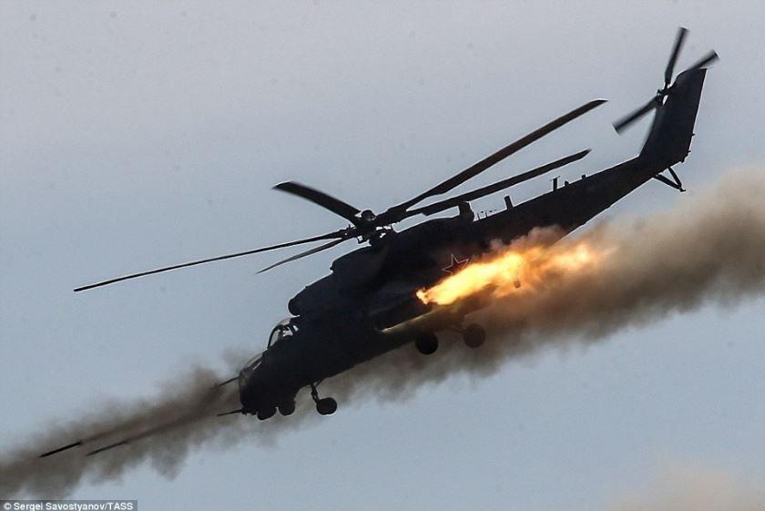 Боевой вертолет случайно обстрелял жилой дом в Чите