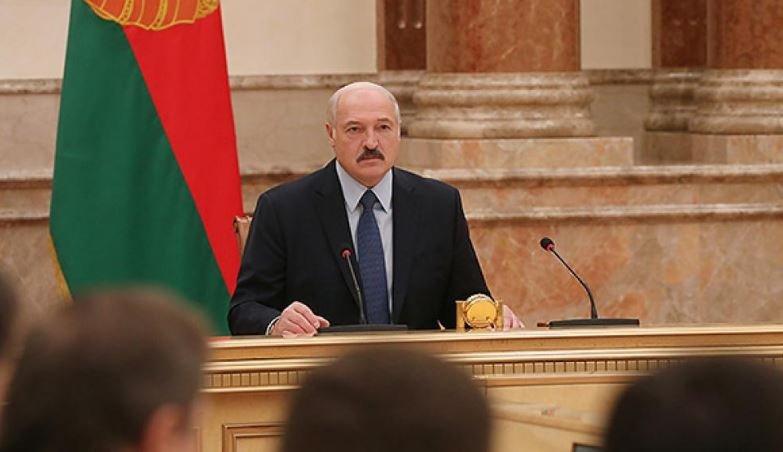 Лукашенко поручил помочь россиянам вернуться домой из Польши