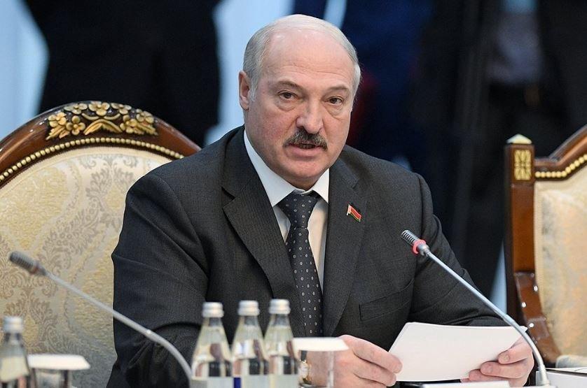 Лукашенко рассказал, чего боится больше коронавируса