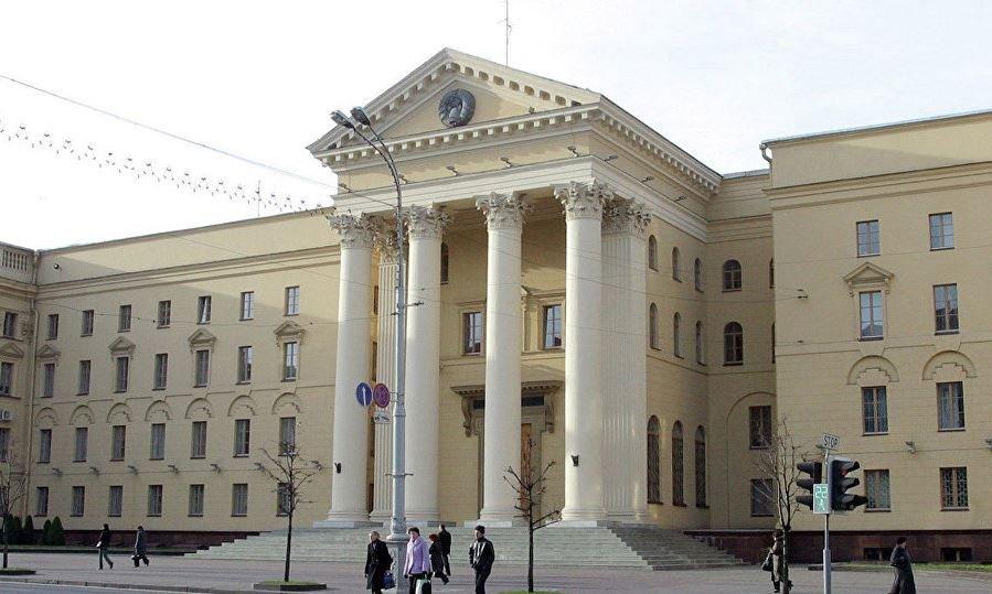 КГБ Беларуси задержал человека, ввозившего в страну оружие для террористов