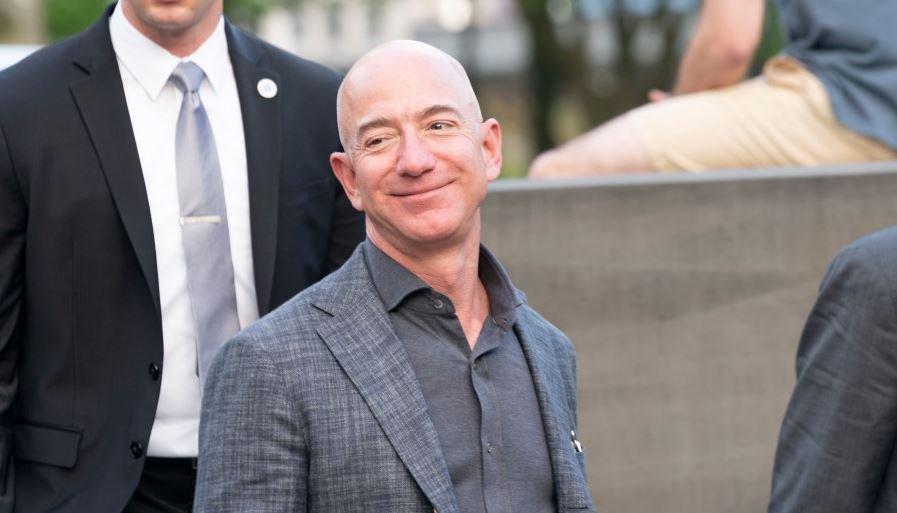 Основатель Amazon Джефф Безос уйдет с поста гендиректора