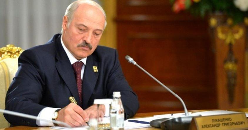 Лукашенко уволил посла в Испании, призывавшего к пересчету голосов