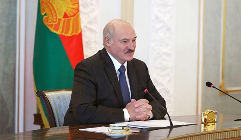 Лукашенко пообещал проект новой Конституции Беларуси к концу 2021 года