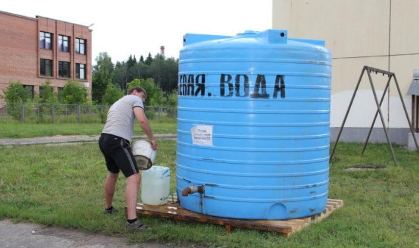 Проблемы с водой в двух районах Минска решат до вечера