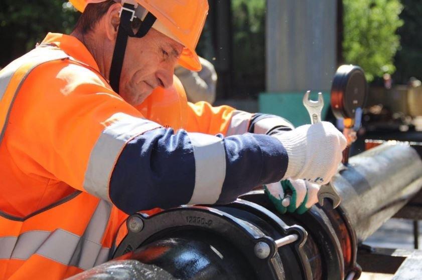 МЧС Беларуси продолжает работы по устранению последствий прорыва водопровода в Минске