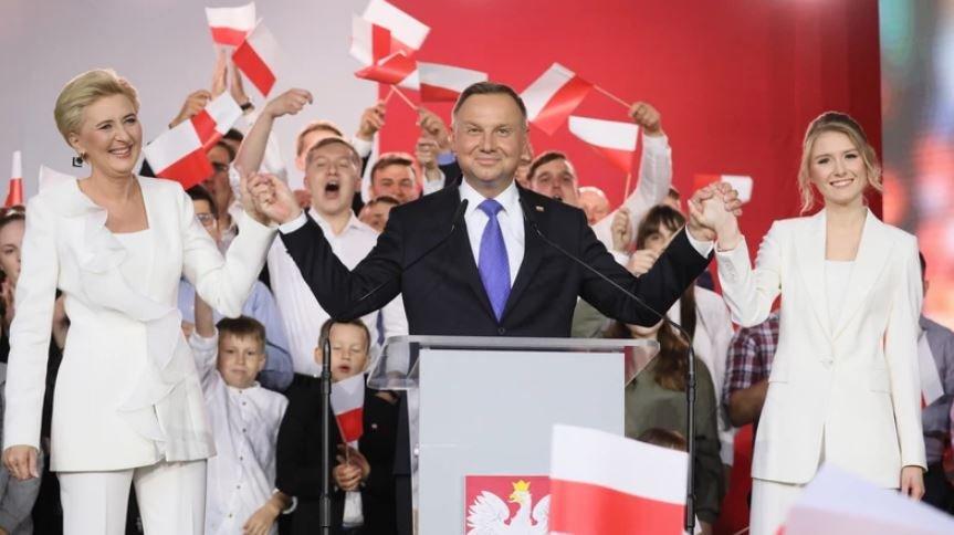 Президент Польши Анджей Дуда заразился коронавирусом SARS-CoV-2
