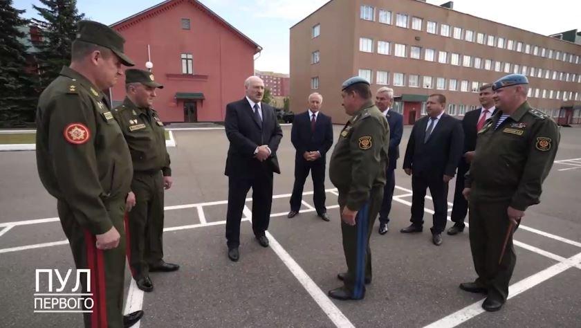 Лукашенко заявил о намерении его оппонентов свергнуть режим силой