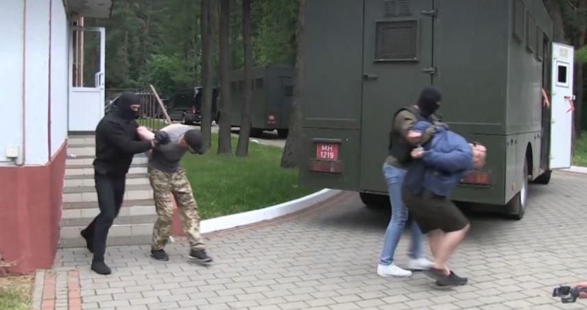 В Беларуси рассказали, как задержанные наемники попали в страну