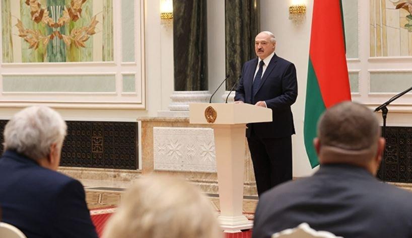 Лукашенко наградил силовиков медалями «За безупречную службу»