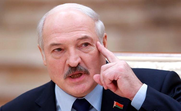 Лукашенко назвал фальсификацией отравление Навального «Новичком»