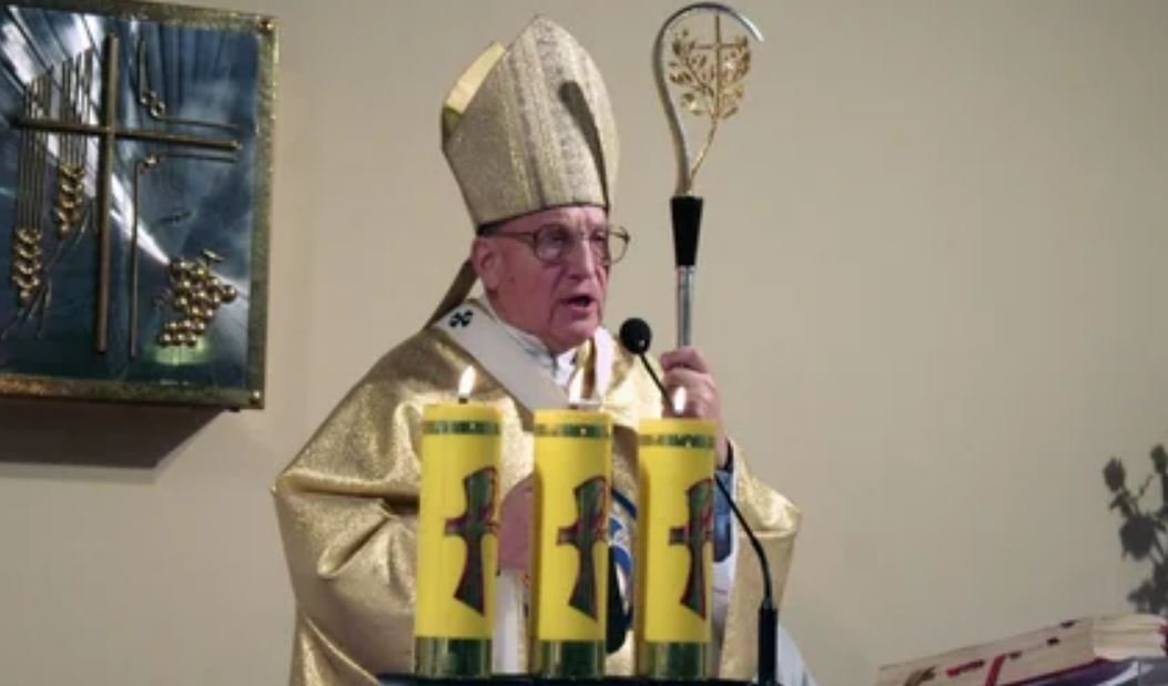 Ватикан настоял на возвращении архиепископа Кондрусевича в Беларусь