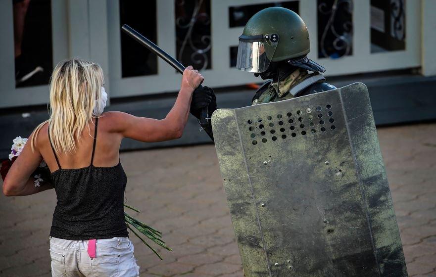 В Минске задержаны повредившие водомёт участники акции протеста