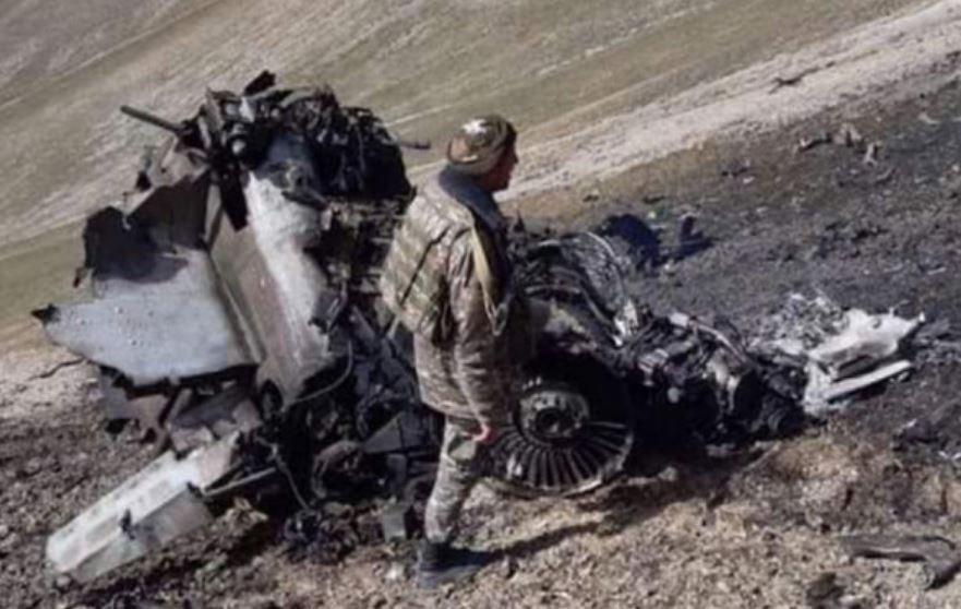 Минобороны Армении опубликовало кадры сбитого Су-25