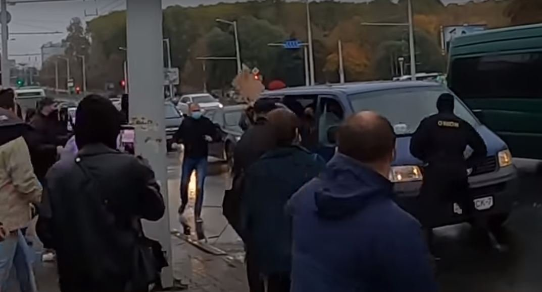 Умер избитый на «Площади перемен» Роман Бондаренко