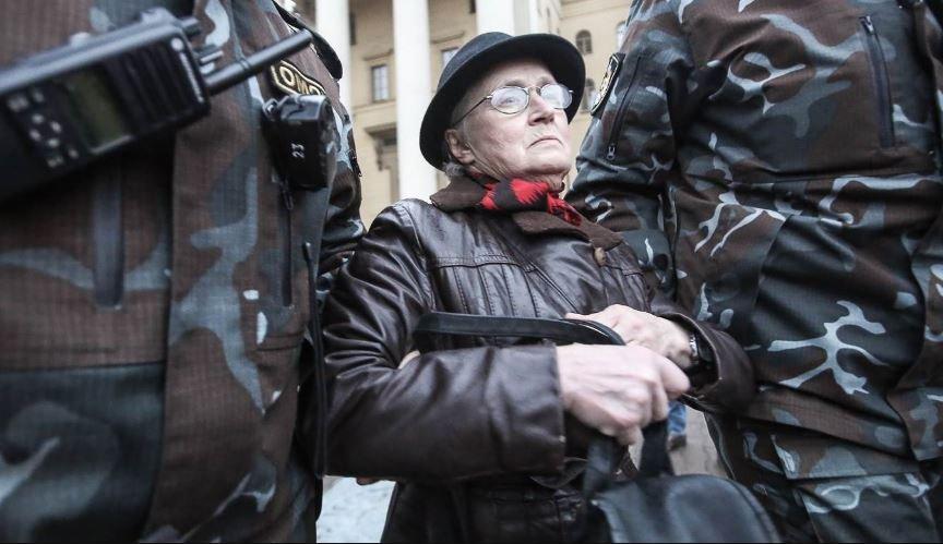 Лукашенко заступился за 73-летнюю оппозиционерку Нину Багинскую
