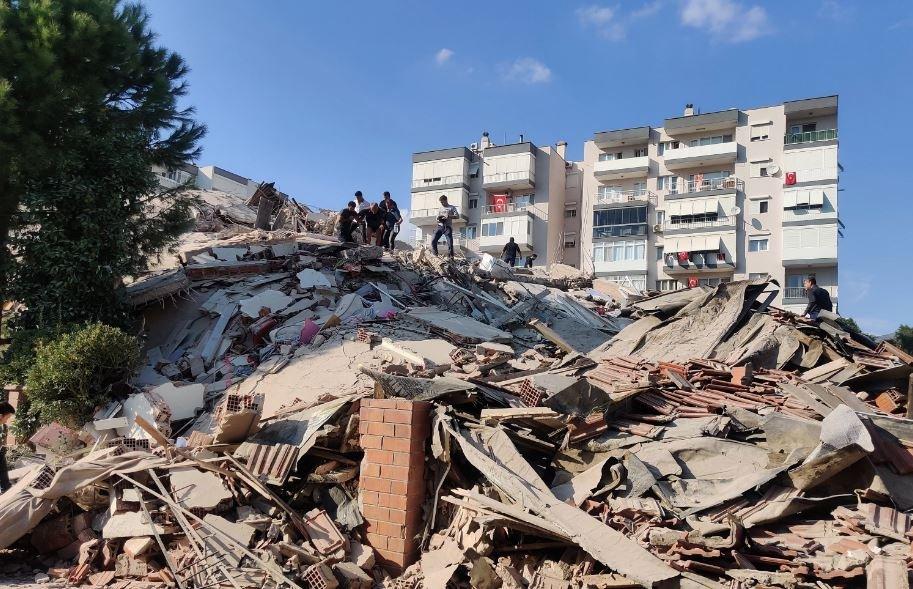 Число погибших при землетрясении в Турции увеличилось до 12