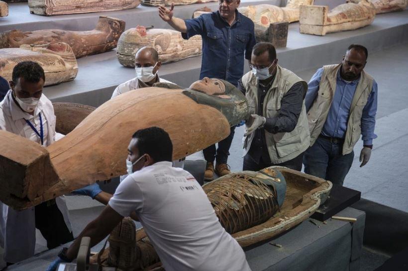В Египте нашли крупное захоронение с сотней неповреждённых саркофагов