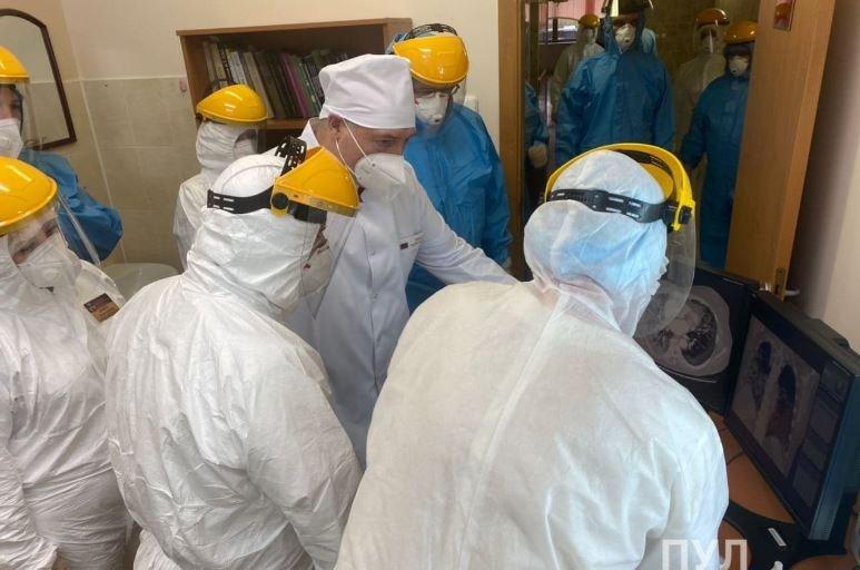 Лукашенко посетит областные медучреждения с больными коронавирусом