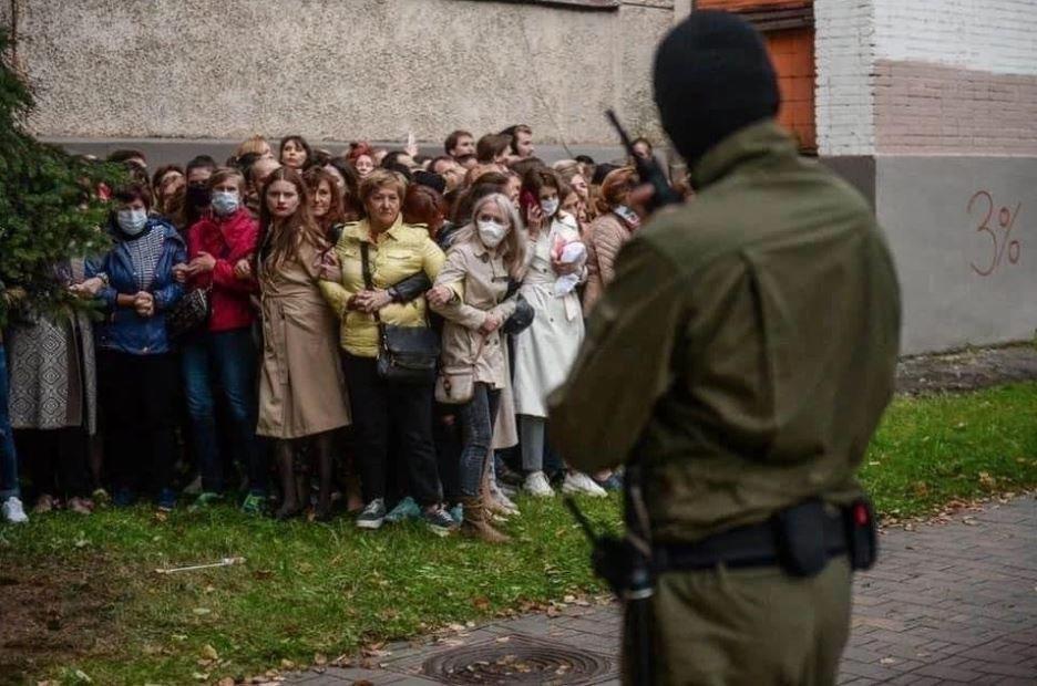 Кадр протестов в Минске вошел в топ лучших фото года по версии The New York Times