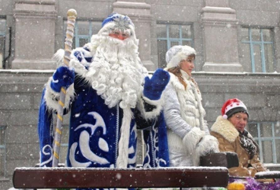 ВОЗ рекомендовала европейцам отмечать Рождество и Новый год на улице