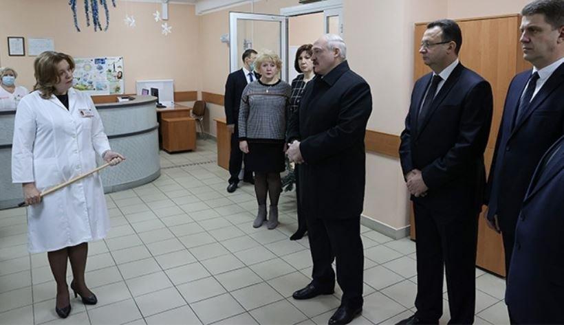 Лукашенко потребовал правильно строить и оснащать больницы
