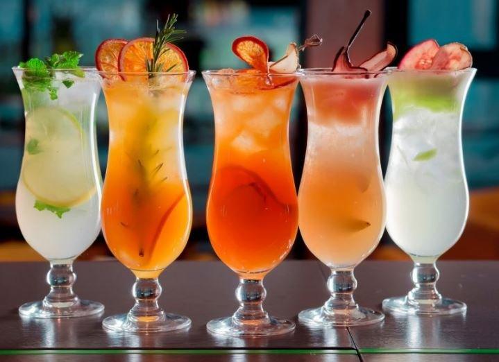 Определена калорийность популярных коктейлей