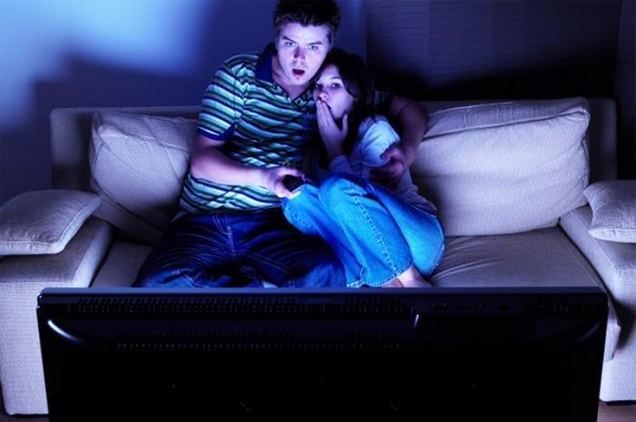 Просмотр фильмов ужасов помогает преодолеть страх перед COVID 19