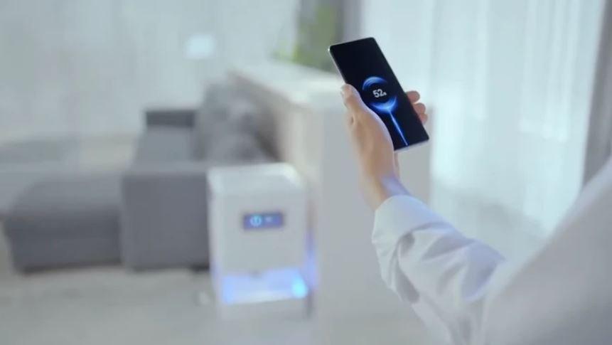 Технология Xiaomi позволит заряжать смартфон в любой точке комнаты