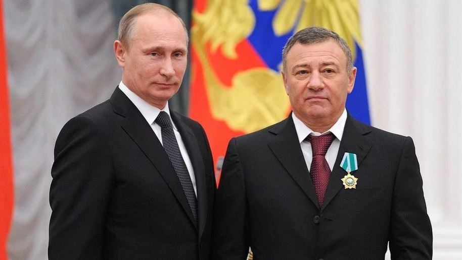 Телеграм-канал Mash назвал владельца «дворца Путина» в Геленджике