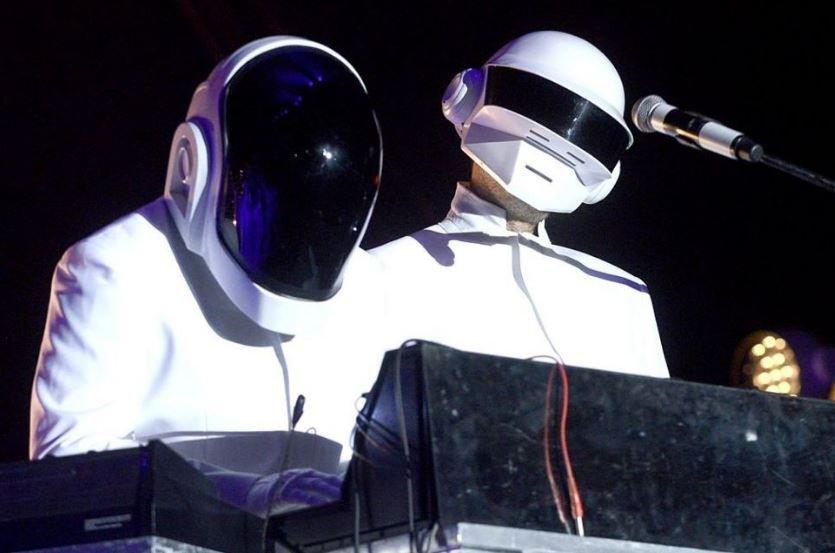 Daft Punk объявили о распаде дуэта спустя 28 лет существования