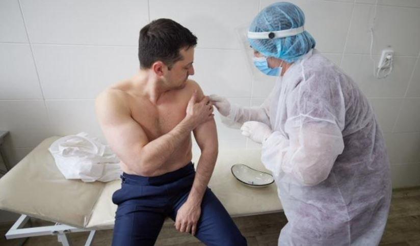 Владимир Зеленский привился от коронавируса COVID-19 вакциной от AstraZeneca