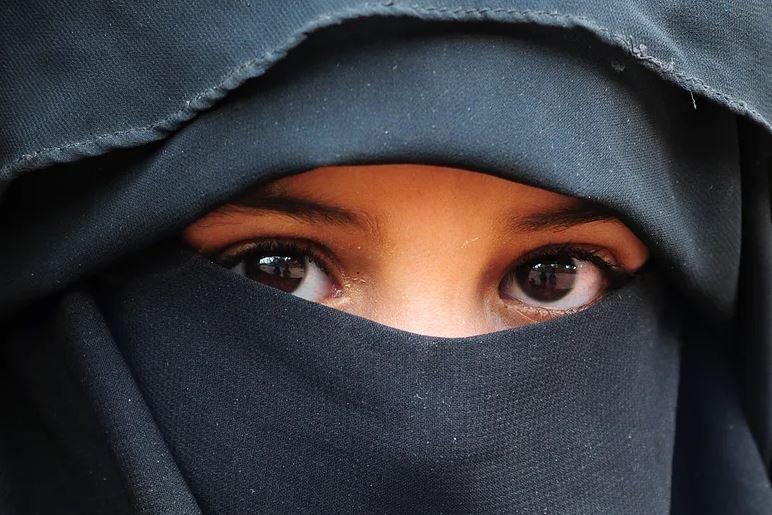 Более половины граждан Швейцарии выступили за запрет ношения паранджи