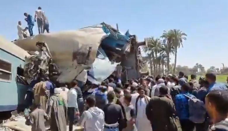 В Египте в результате столкновении двух поездов погибли 32 человека
