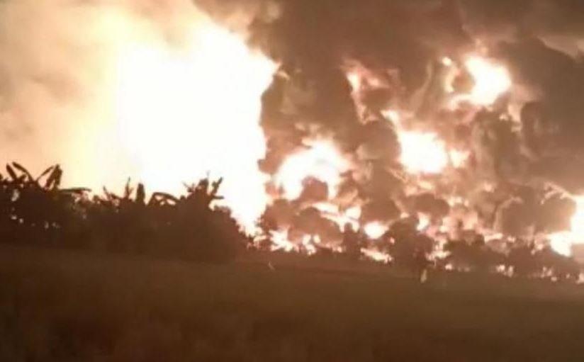 Мощный взрыв прогремел на нефтеперерабатывающем заводе в Индонезии