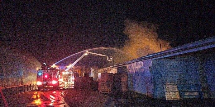 В ночь на 9 апреля на МТЗ загорелись склады